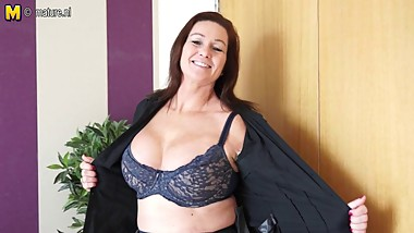 Gorgeous busty British MOM and her old cunt