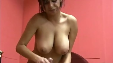 Latin mom handjob-ohlawd