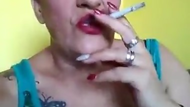 Smoking mom