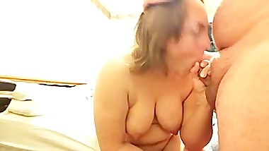 Wifey blows cock