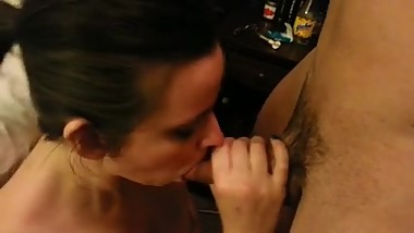 Milf wife sucks and spits. Janna from DATES25.COM