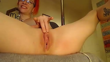 Milf play with big pussy! part 2