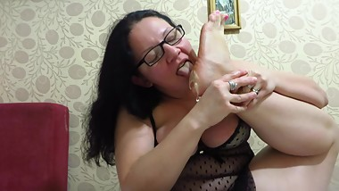 foot fetish from mature milf