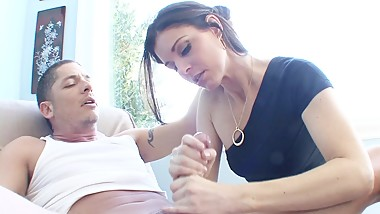 Tight cougar India Summer wants some fresh cock in her