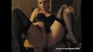 Cock Hungry Blonde Mom Enjoys Hookup Fuck