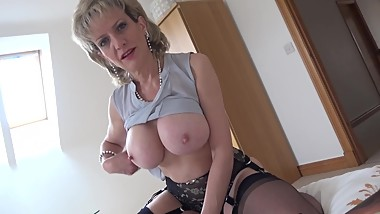 LADY SONIA Wank over my Big Tits then