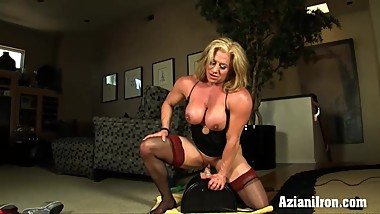 Strong women Wanda rides the sybian