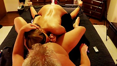 HOT WIFE HAS 3 WAY WITH HUSBAND AND STRYKER DILDO FUCK MACHINE-swallows