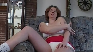 Lovely Mature Unable To Pay Rent Give A Private Show