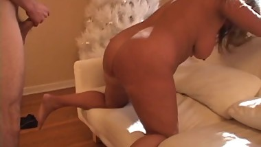 Thick blond mom ravaged by young cock in the bedroom